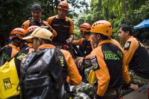 ФИФА пригласила на финал ЧМ-2018 школьников, застрявших в пещере в Таиланде