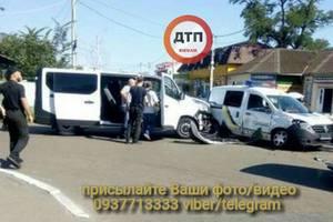 Под Киевом произошло ДТП с участием автомобиля полиции