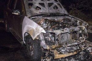 В Киеве дотла сгорел внедорожник – СМИ