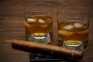 Сигареты и алкоголь в Украине продолжают дорожать: почему так и чего ждать дальше