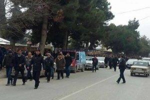 Двое полицейских погибли во время акции протеста в Азербайджане