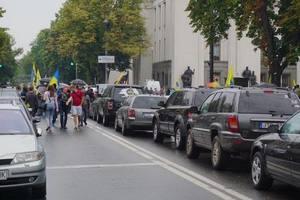 Под Радой пустили дым: Крищенко рассказал о ситуации на митингах