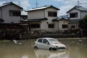 В Японии сообщили о новых жертвах самых страшных ливней за 40 лет: опубликованы фото