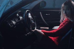 Женщина две недели ездила на чужой машине другой марки, не замечая этого