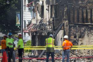 Взрыв газа в США убил пожарного и снес несколько зданий
