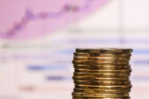 """НБУ повысил учетную ставку, сохраняя политику """"дорогих денег"""""""