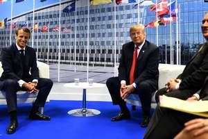 На встрече с Трампом Макрон заговорил на французском: появилось курьезное видео
