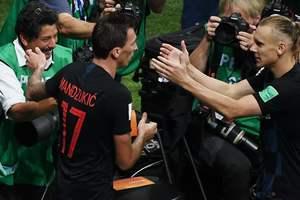 Вида расцеловал случайного фотографа после победного гола в ворота Англии