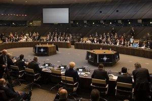 """Россия, """"Северный поток"""" и MH17: Порошенко переговорил с двумя лидерами стран НАТО"""