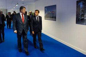 Порошенко и Макрон хотят активизировать переговоры по Донбассу