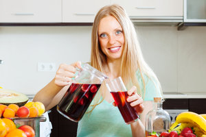 Как приготовить сангрию: ТОП-3 летних рецепта