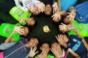 Медитації і міні-субмарина Маска: ТОП-5 фактів про порятунок дітей з печери в Таїланді