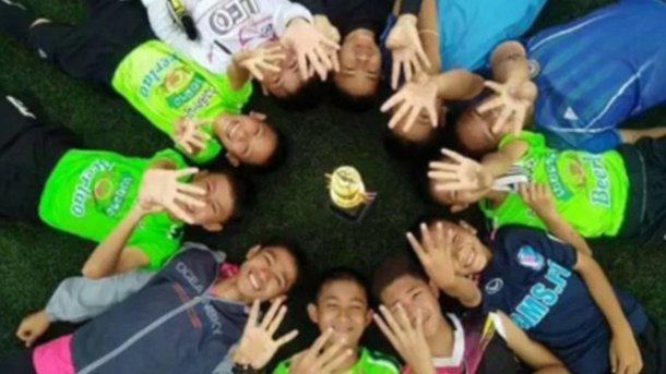 Медитации и мини-субмарина Маска: ТОП-5 фактов о спасении детей из пещеры в Таиланде