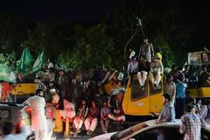 Число погибших на митинге в Пакистане достигло 140 человек, среди них кандидат в депутаты