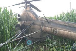 В Черниговской области вертолет попал в аварию: пьяный пилот пытался скрыться