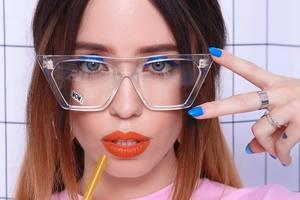 Дуэт с MONATIK: Надя Дорофеева показала сексуальное фото со съемок совместного клипа