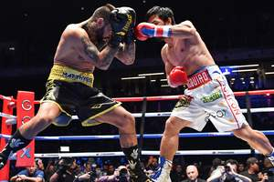 Пакьяо вернулся на ринг и нокаутировал Лукаса Матиссе: как это было