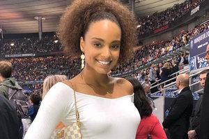 Сборная жен футболистов французской команды: фото и соцсети красоток