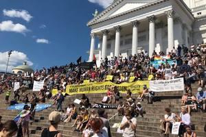 В Хельсинки требовали свободы для Сенцова и протестовали против встречи Путина и Трампа