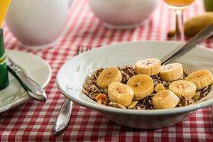 Три вкусных завтрака, которые можно приготовить из переспевших бананов