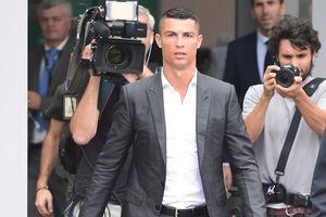 """""""Ювентус"""" за день продал футболок Роналду на 55 миллионов евро - это половина цены трансфера"""