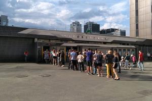 Гигантские очереди в метро: жители купили почти 6 млн поездок