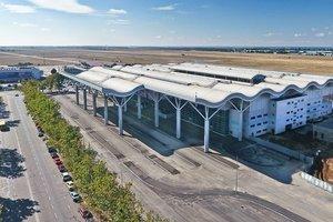 Кабмин планирует превратить аэропорт Одессы в юго-хаб