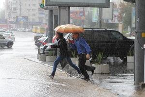 На Киев надвигается гроза: как уберечься от опасной стихии