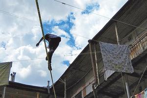 Акробат из Японии поразил Одессу опасными трюками