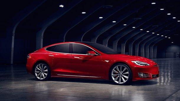 Владельцев электромобилей Tesla Model SвГермании лишили льгот