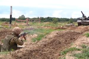 Обкатка танком, напалм и препятствия: появилось видео с учений десантников