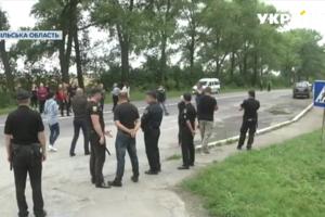 В Тернопольской области молочники с протестом перекрыли важную трассу
