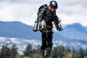 """В Великобритании сдают в аренду летающий костюм """"Железного человека"""""""