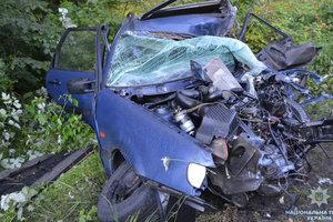 Страшная авария на Волыни: после столкновения от легковушки осталась груда металла
