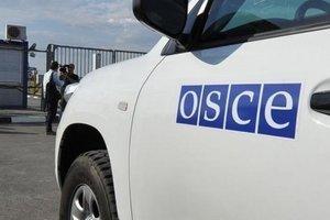 Миссия ОБСЕ рассказала о скоплении возле Луганска тяжелого вооружения боевиков