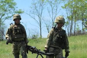 На Донбассе за сутки боевики устроили 18 обстрелов