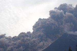 От мощного извержения вулкана в Гватемале погибли 125 человек