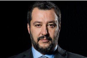 Глава МВД Италии одобрил аннексию Крыма Россией