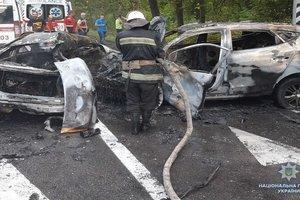 Шокирующие подробности ДТП под Киевом: при аварии заживо сгорела целая семья