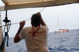 Трагедия в США: 17 пассажиров прогулочного катера утонули во время бури