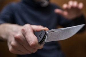 В Киеве иностранец зарезал мужчину и бросался с ножом на полицейских
