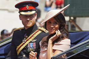 СМИ: Королева сделала принцу Гарри и Меган Маркл неожиданный подарок