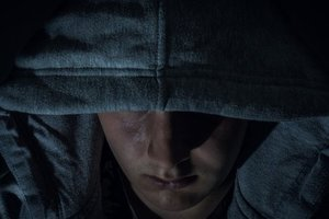 Угрожали расправой и пытали: в Житомирской области ограбили семью фермера