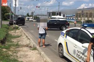 На перекрестке в Харькове произошло тройное ДТП