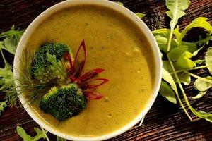Три оригинальных рецепта супа-пюре из летних овощей