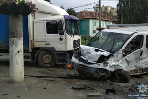 Масштабное ДТП в Виннице: столкнулись пять машин, есть погибший