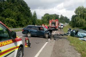 Смертельное ДТП во Львовской области: столкнулись две легковушки