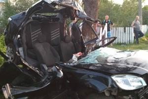 Во Львовской области автомобиль слетел с дороги: погиб водитель, четверо пассажиров в больнице