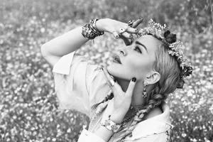 59-летняя Мадонна снялась в эпатажной и яркой фотосессии для Vogue