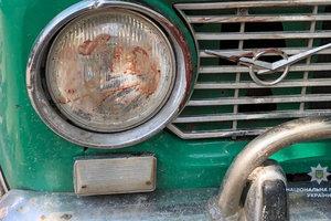 В Винницкой области мужчина избил знакомого и пытался переехать его машиной